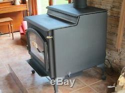 QUADRA-FIRE 5700 step top wood stove in excellent condition. Blower included